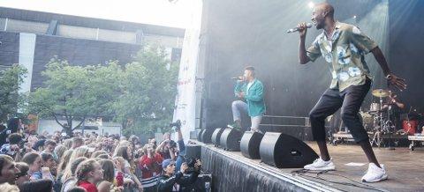 POPULÆR FOLKEFEST: Mange tok turen til årets byfest i Lillestrøm. Bildet er tatt på åpningskonserten med Nico & Vinz.