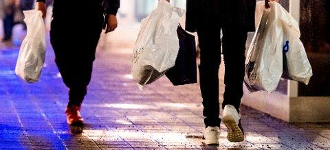 AVGIFT: Det blir innført plastposeavgift, trolig fra nyttår.