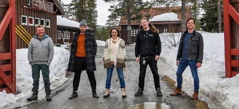 FESTIVALGJENG: Fra venstre: Kasper Andresen, Rune Larsen , Monica Celius , Kim André Aleksandersen og Eystein Hagen.