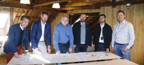 STØTTESPILLERE: Fra v.: James Persson, Jostein Aksdal, Kjetil Vinorum, Bernt Hilmar Jacobsen, Muamer Sehic  og Jarle S. Eriksen. Foto: Alf-Robert Sommerbakk