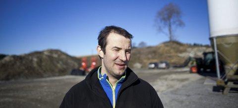 Leder i bondelaget Hans Oscar Gudim skal lage en liste med oversikt over tilgjengelig utstyr.