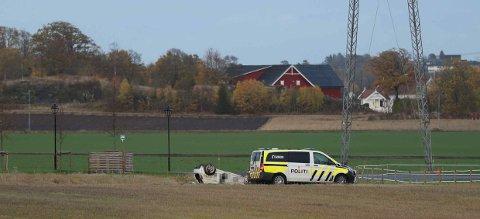 KJØRTE UTFOR: Fører og passasjer ble sjekket hos legevakta etter hendelsen.
