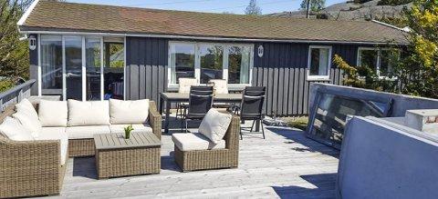 VIL SELGE: En hytte på Sandø har sjeldent eller aldri kommet for salg i det åpne markedet.