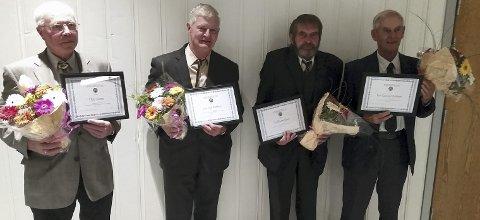 NYE ÆRESMEDLEMMER: Fra venstre Olav Aamo, Jon Egil Bakken, Gudbjørn Ryen og Per Gunnar Bakken. Foto: Privat