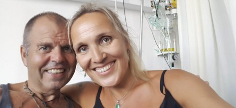 Fra sykesenga: Dagfinn og Pernille Kolberg måtte tilbringe størstedelen av ferien på sykehuset i Chania (Kreta).foto: Privat