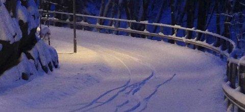 SNØ: Nordre Follo kommune vil ikke brøyte gang- og sykkelstiene før det har falt fem centimeter snø.