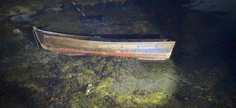 Politiet ber om at eieren av denne båten - som ble funnet på Tustna - tar kontakt.