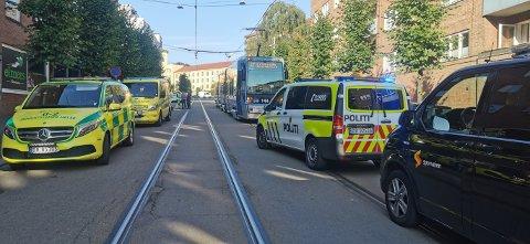 Nødetatene rykket ut til Trondheimsveien ved 17.20-tiden mandag ettermiddag.