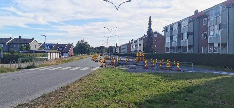 Gamlebyveien må holdes stengt lenger enn tidligere varslet.