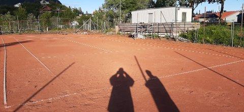 Tennisbanen på Stranda