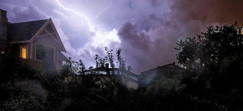 MANGE SKADER: Det er ikke uvanlig å få elektronisk utstyr ødelagt i tordenvær.