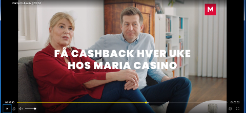 POSITIV: Kvinnen framsnakker det utenlandske pengespillselskapet, og mannen (som er Finn-Erik Blakstad) sier seg med et «m-mmm» enig. Det skjer i et reklameinnslag som ble vist på TV3 i forbindelse med programmet «Camp kulinaris» mandag kveld. Skjermdump: Get TV.