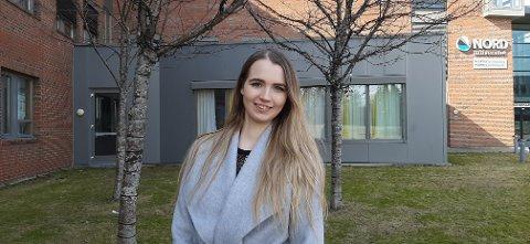 FLYTTER HJEM: Etter fem år med utdanning i Bodø, flytter Ida Margrethe Kalseth Norum hjem med samboer og barn for å starte som trainee i Sparebank1 SMN.