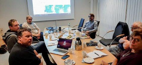 NETTMØTE: Denne uken gjennomførte Rakkestad kommune ved ordfører, rådmann og deltakere fra administrasjonen et møte med dekningsdirektør i Telenor Norge, Bjørn Amundsen.