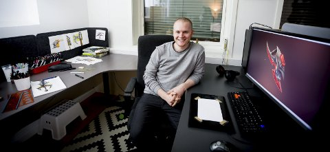 Suksess: Martin Olsen (27) er selvlært gameartist, og selger grafikk til de aller største filmselskapene. Nå skal han lage sitt eget spill, inspirert av War craft 3.Foto: lisbeth lund andresen