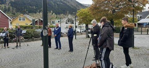 STREAMA: Det var elevane ved Campus Media UB ved Sogndal vidaregåande skule som filma markeringa.