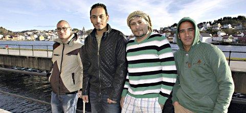 I kristian-sund: Mohamed Raafat Selim (fra høyre), Gehad Ali, Esmael Metwiy Elsaid Fouda og Mohamed Wasim Ebrahil har drømmen klar, de vil stifte familie og bosette seg i nordmørsbyen. De fire, som Tidens Krav intervjuet tidligere i november, er fire av 200 asylsøkere i Kristiansund.  Foto: ARKIV