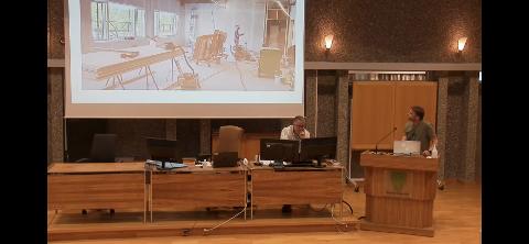 Behandlingsrom: - Her er det fysioterapien som skal inn, fortalte Utne, som viste flere bilder fra bygget til OO-utvalget.