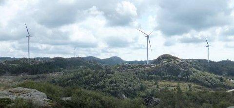 *** Local Caption *** TAR FORM: Lista vindpark begynner  ta form og de nye landemerkene preger landskapet.