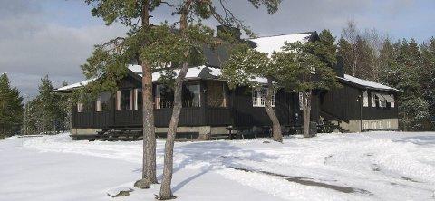 «Juvelen»:  Odd Løkkevik skriver at skiklubben trenger nye engasjerte medlemmer for alle oppgaver med Skihytta, friluftsliv i Marka og det planlagte anlegget for rulleski og kunstsnø.Tilsendt bilde