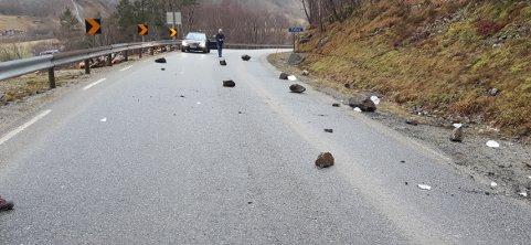 Slik så veibanen ut rett ved munningen på Frafjordtunellen.