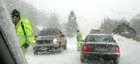 KAN BLI HEFTIG: Det kan bli vanskelige kjøreforhold på fjellet i helgen på grunn av kombinasjonen vind og nedbør. I lavlandet blir det vått og vindfullt.
