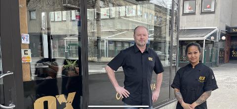 MOTSTRØMS: Mens store deler av restaurantnæringa sliter, har restaurantgründer Magne Melland og restaurantsjef Kanchana Nakhachon levert tidenes beste regnskapstall for Ox Steak House.