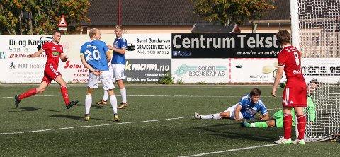 Trond Aass setter inn 4-1-målet på over mot Flisa.