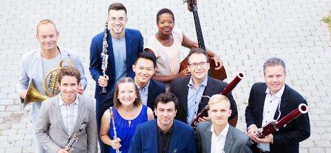 KLARE FOR SKI: Denne musikk-glade gjengen dukker opp i Rådhusteateret.
