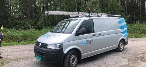 ANKOM: Mannskaper fra Skagerak Energi, som har spesialkompentanse i klatring.