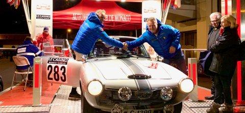 GLEDE: Kartleser Otto Backe (til venstre) og sjåfør Terje Baardtseth kan gratulere hverandre med vel gjennomført Rally Monte-Carlo Historique for andre år på rad.