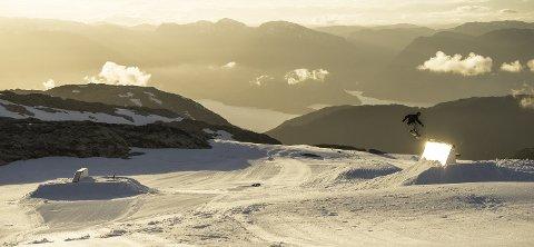 SKIPARK: Fonna har et bredt parktilbud for freeskikjøring.  FOTO: Erik Nylander // What Camps /