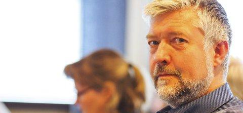 Beklager, men: Boy Arne Buyle erkjente at snuoperasjonen kom i siste time, og at det ikke blir lett å fronte Narvik som en pålitelig og forutsigbar aktør overfor næringslivet. Han mente likevel at det var riktig å stanse planene for Taraldsvikjordet.Foto: Terje Næsje