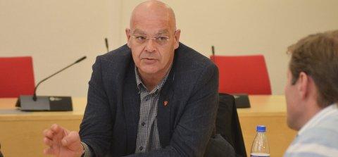 SELGER: Lunner kommune skal selge presteboligen på Grua. Ulf Rogneby (V) og resten av formannskapet har diskutert saken.