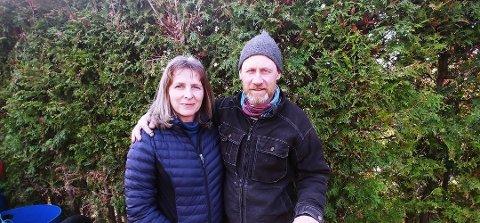 Sibylle Thomas og Sigvart Schøning-Olsen på Hvasser Motell var blant dem som så bestillinger forsvinne i midten av mars da korona og nedstenging av samfunnet var et faktum.