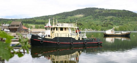Mjøssamlingene: Like under Minnesundbrua ligger museet som dokumenterer det meste av skipsfarten på Mjøsa. Foto: Ola Einbu