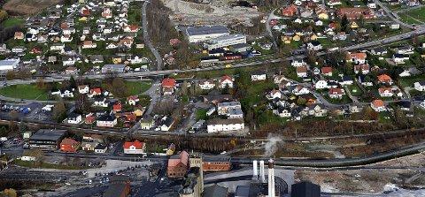 SV mener Intercity-togene må innom alle byene i Østfold. Dette bildet viser Greåker. (Foto: Jarl M. Andersen)