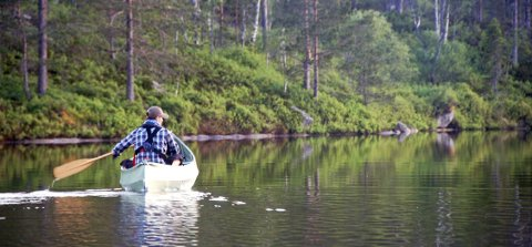 BERGHYL: Her prøver turkompis Jarl-Magnus Kikut Moen å lure storfisken. ALLE FOTO: ERIK EDVARDSEN og JARL-MAGNUS KIKUT MOEN