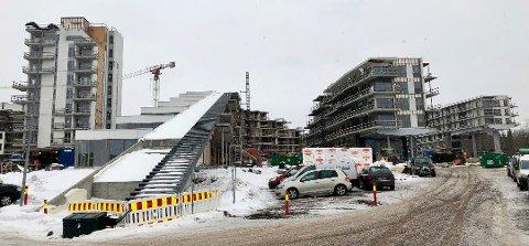 BYGGEPLASS: Oslofjord Convention Center er foreløpig en gigantisk byggeplass. Etterhvert skal det bli plass til 9.000 overnattende gjester utpå landet i Stokke.