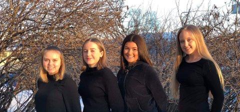 Norlànda UB har votter med samiske motiv med seg til Fylkesmessa for Ungdomsbedrifter. Her Sunniva Ure Aspestrand, Aina Edvardsen Pardo, Benedikte Harjang og Karine Johansen.