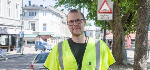 KOMMUNENS MANN: – Jeg har sendt ut arbeidsordre om å få steinen fjernet, sier trafikkingeniør i Horten kommune, Thomas Skogsaas.