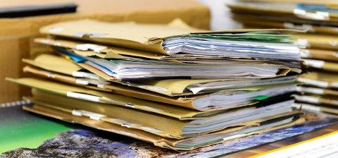 FØLG LOVEN: GDPR-forordningen setter strenge krav til oppbevaring av sensitive personopplysninger. Statsarkivaren advarer imidlertid mot å kaste viktige dokumenter i forbindelse med innføring av regelverket.