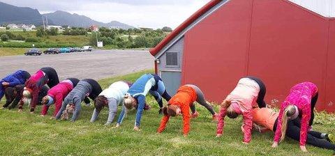 Det er ikke første gang treningssenteret har utetrening. Også juni i fjor kunne kundene melde seg på gruppetimer utendørs.