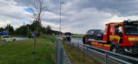 Bilen ble fjernet fra stedet etter ulykken.