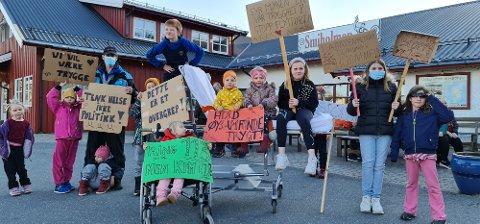 Ung som gammel møtte opp for å vise sin støtte for aksjonen.