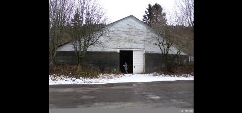 Bygningen om brant forrige fredag ble tatt i bruk i 1919. Da var det potettørkeri der.