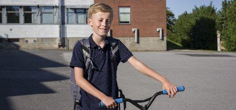 SKOLEGANG: Fredrik August går som alle andre 11-åringer i Norge i dag på skole og har en aktiv, organisert fritid. I motsetning til 11-åringer på slutten av 1800-tallet og starten av 1900-tallet kan Fredrik August velge seg en utdannelse og jobb når den tid kommer.