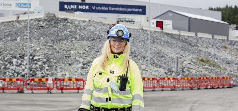 KAN VINNE PRIS: Fredrikke Syversen (31) har en mastergrad i geologi og jobber med tunnelboremaskinen på Follobanen. Nå er hun nominert til den internasjonale prisen «Young Tunneller of the Year».