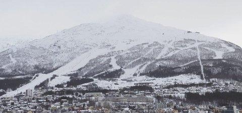 Store utbygginger: Tilknyttet Narvikfjellets anlegg i Fagernesfjellet pågår det for tiden store utbygginger. Det kommunale foretaket Narvik Vann har sagt nei til medfinansiering av vann- og avløpsanleggene. Nå har rådmannen satt det vedaket til side, og sender saken til de folkevalgte med en helt annen innstilling. Foto: Terje Næsje
