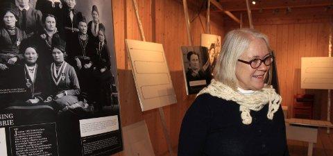 Åpning: Utstilling om Elsa Laula Renberg åpner på Petter Dass-museet med foredrag av Kari Sommerseth Jacobsen (bilde). foto: stine skipnes